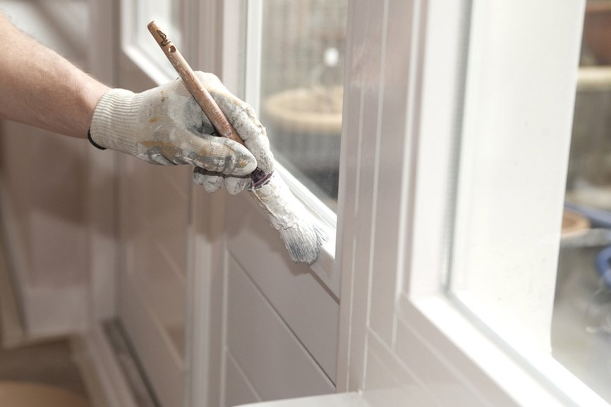 Muren plafond, raamkozijnen en deuren schilderen zowel binnen als buiten C&C Stucadoors en Schildersbedrijf